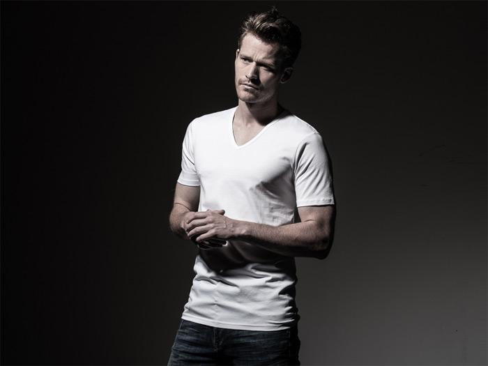 Hoe krijg ik witte was, lange T-shirts en overhemden weer wit