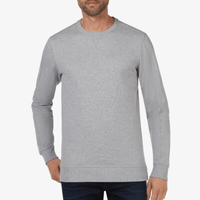 Girav Cambridge extra lange grijze ronde hals sweater. Super comfortabel en perfect voor lange mannen.