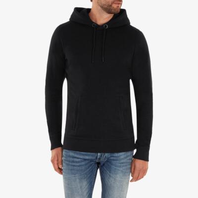 Girav Harvard lange zwarte regular fit hoodie voor heren. Heeft een buikzak met twee roestvrijstalen YKK-ritsen aan de zijkanten.